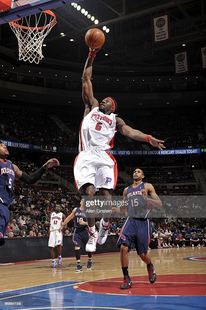Ben Wallace of the Detroit Pistons makes a layup against the Atlanta Hawks during the game at the Palace of Auburn Hills on April 7 2010 in Auburn...