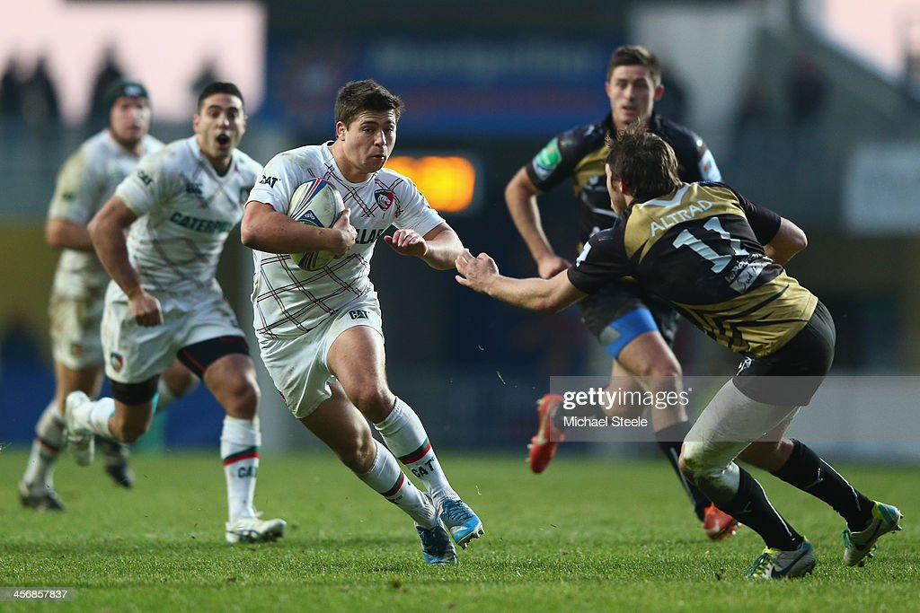<a gi-track='captionPersonalityLinkClicked' href=/galleries/search?phrase=Ben+Youngs&family=editorial&specificpeople=3970947 ng-click='$event.stopPropagation()'>Ben Youngs</a> (L) of Leicester Tigers runs at Yohann Artru (R) of Montpellier during the Heineken Cup Pool 5 match between Montpellier and Leicester Tigers at Stade Yves Du Manoir on December 15, 2013 in Paris, France.