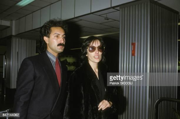 Benazir Bhutto accompagnee de son beaufrere Nasser Hussain a la reconstitution du meurtre de son frere Shahnawaz Bhutto le 6 novembre 1985 a Cannes...