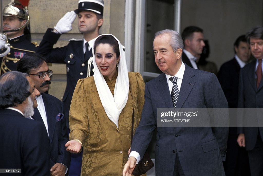 <a gi-track='captionPersonalityLinkClicked' href=/galleries/search?phrase=Benazir+Bhutto&family=editorial&specificpeople=202012 ng-click='$event.stopPropagation()'>Benazir Bhutto</a> At Matignon On November 04th, 1994.