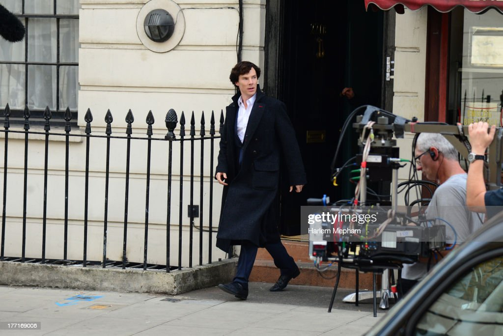 <a gi-track='captionPersonalityLinkClicked' href=/galleries/search?phrase=Benedict+Cumberbatch&family=editorial&specificpeople=2487879 ng-click='$event.stopPropagation()'>Benedict Cumberbatch</a> sighted filming in North London on August 21, 2013 in London, England.