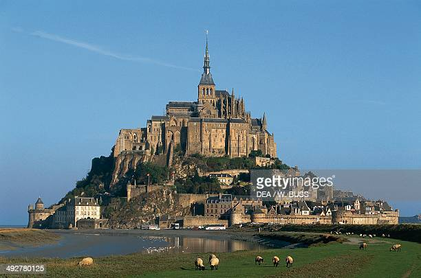 Mont saint michel stock photos and pictures getty images for Au jardin st michel pontorson france