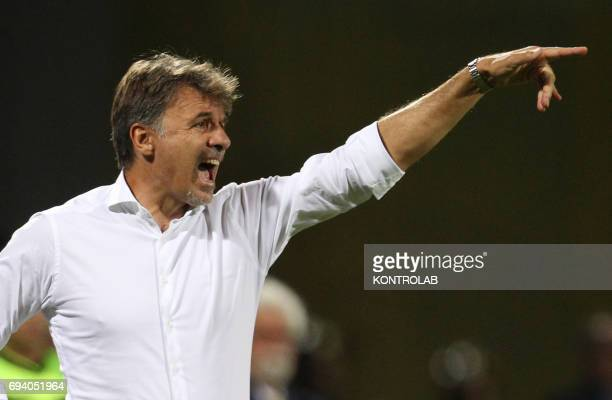 STADIUM BENEVENTO CAMPANIA ITALY Benevento's Italian coach Marco Baroni gestures during the Italian Serie B Play Off football match for the promotion...