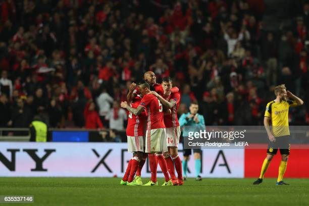Benfica players celebrates at the end of the SL Benfica v Borussia Dortmund UEFA Champions League Round of 16 First Leg match at Estadio da Luz on...
