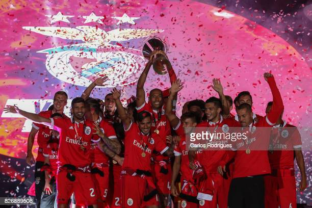 Benfica players with Portuguese Super Cup trophy after the match between SL Benfica and VSC Guimaraes at Estadio Municipal de Aveiro on August 05...