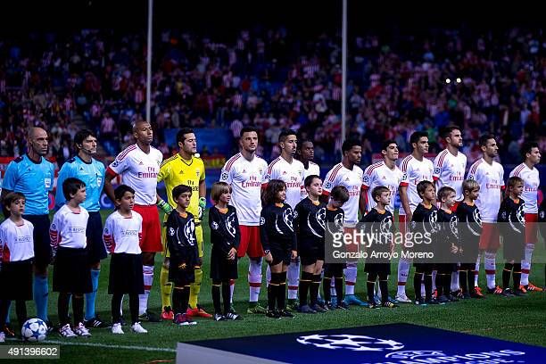 Benfica SL team stands as the listen the UEFA Champions League hymn prior to start the UEFA Champions League Group C match between Club Atletico de...