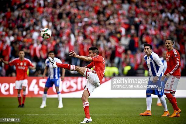 Benfica's Argentine midfielder Nicolas Gaitan controls the ball during the Portuguese league football match SL Benfica vs FC Porto at Luz stadium in...