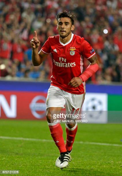 Benfica's Argentinian forward Eduardo Salvio celebrates after scoring during the UEFA Champions League Group B football match SL Benfica vs FC Dynamo...