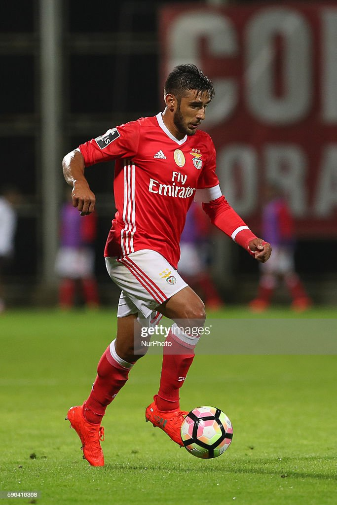 Benfica's Argentinian forward Toto Salvio in action during Premier League 2016/17 match between CD Nacional and SL Benfica at Choupana Stadium in...