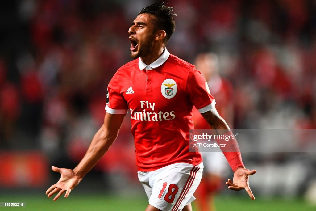 Benfica's Argentinian midfielder Eduardo Salvio celebrates after scoring during the Portuguese League football match SL Benfica vs CF Os Belenenses at Luz stadium on August 19, 2017. /