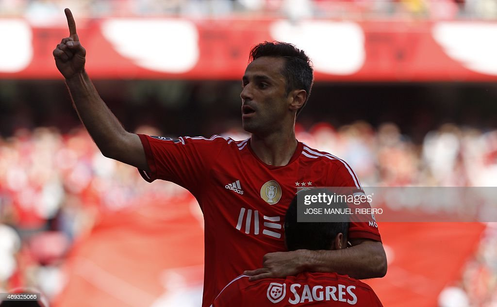 S INFOS IN CAPTION Benfica's Brazilian forward <a gi-track='captionPersonalityLinkClicked' href=/galleries/search?phrase=Jonas+-+Brazilian+Forward&family=editorial&specificpeople=10555097 ng-click='$event.stopPropagation()'>Jonas</a> Oliveira celebrates his goal during the Portuguese league football match SL Benfica vs A Academica at the Luz stadium in Lisbon on April 11, 2015.