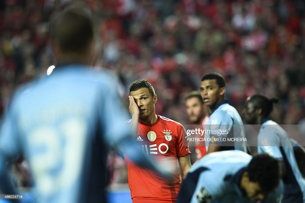 Benfica's Brazilian forward Rodrigo Lima reacts after missing a goal opportunity during the Portuguese league football match SL Benfica vs SC Braga at Luz stadium on March 14, 2015.