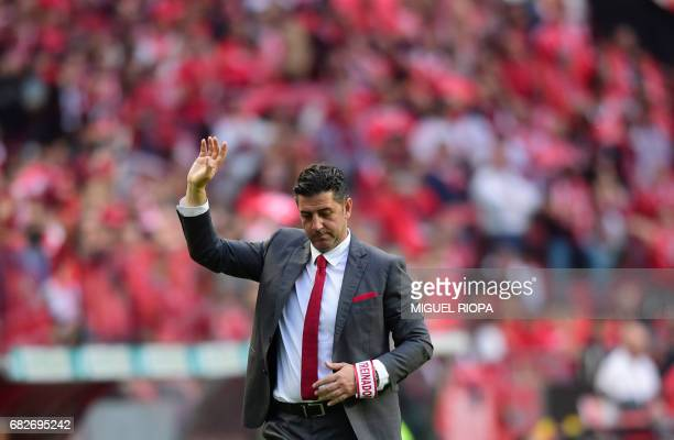 Benfica's coach Rui Vitoria gestures from the sideline during the Portuguese league football match SL Benfica vs Vitoria Guimaraes SC at the Luz...