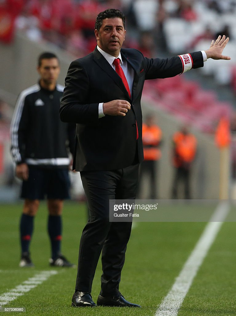 SL Benfica's coach Rui Vitoria in action during the Taca CTT match between SL Benfica and SC Braga at Estadio da Luz on May 2, 2016 in Lisbon, Portugal.