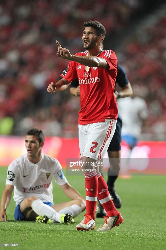 Benfica's defender <a gi-track='captionPersonalityLinkClicked' href=/galleries/search?phrase=Lisandro+Lopez&family=editorial&specificpeople=801562 ng-click='$event.stopPropagation()'>Lisandro Lopez</a> reacts during the match between SL Benfica and Estoril Praia at Estadio da Luz on August 16, 2015 in Lisbon, Portugal.