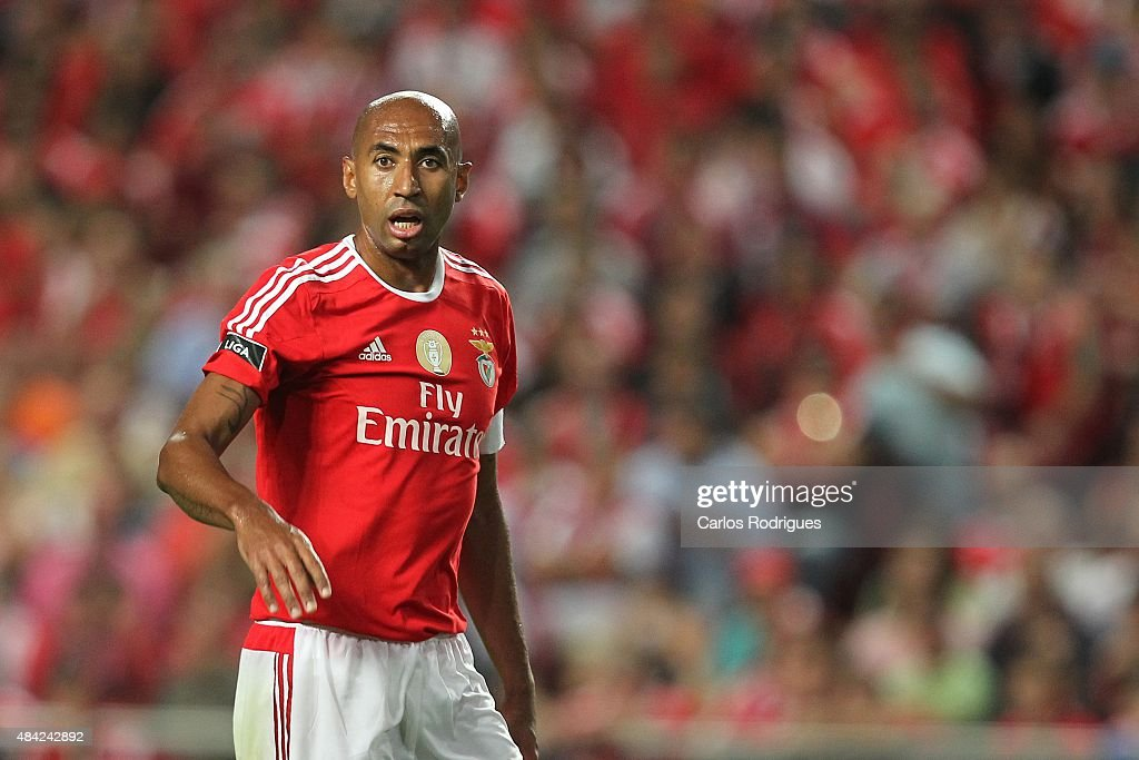 Benfica's defender <a gi-track='captionPersonalityLinkClicked' href=/galleries/search?phrase=Luisao&family=editorial&specificpeople=490899 ng-click='$event.stopPropagation()'>Luisao</a> during the match between SL Benfica and Estoril Praia at Estadio da Luz on August 16, 2015 in Lisbon, Portugal.