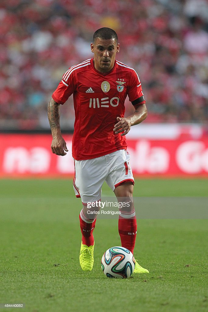 Benfica's defender <a gi-track='captionPersonalityLinkClicked' href=/galleries/search?phrase=Maxi+Pereira&family=editorial&specificpeople=4500885 ng-click='$event.stopPropagation()'>Maxi Pereira</a> during the Primeira Liga match between SL Benfica and Sporting CP at Estadio da Luz on August 31, 2014 in Lisbon, Portugal. (Photo by Carlos Rodrigues/Getty Images).