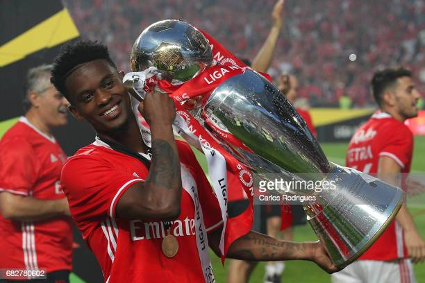 Benfica's defender Nelson Semedo from Portugal celebrating the tetra title with his team mates after the match between SL Benfica and Vitoria SC for...