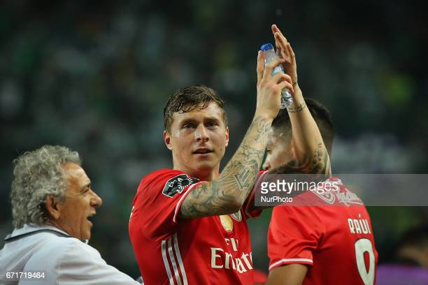 Benficas defender Victor Lindelof from Sweden thanking the supporters at the end of the match during Premier League 2016/17 match between Sporting CP...