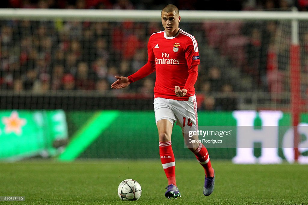 Sl benfica v fc zenit uefa champions league round of 16 - Victor lindelof ...