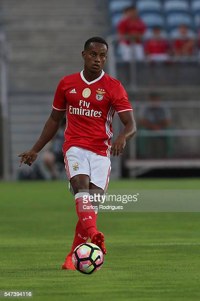 Benfica's forward Andre Carrillo during the Pre Season match between SL Benfica and Vitoria Setubal at Estadio do Algarve on July 14 2016 in Faro...