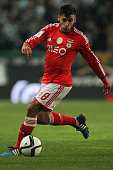 Benfica's forward Eduardo Salvio during the Primeira Liga match between Sporting CP and SL Benfica at Estadio Jose Alvalade on February 08 2015 in...