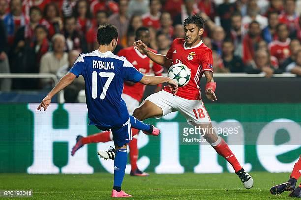 Benfica's forward Eduardo Salvio vies for the ball with Dynamo Kyiv's midfielder Serhiy Rybalka during Champions League 2016/17 match between SL...
