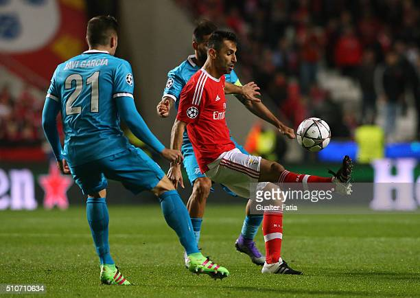 Benfica's forward from Brazil Jonas in action during the UEFA Champions League Round of 16 First Leg match between SL Benfica and FC Zenit at Estadio...