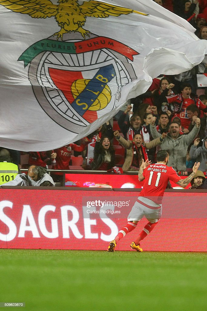 Benfica's forward <a gi-track='captionPersonalityLinkClicked' href=/galleries/search?phrase=Kostas+Mitroglou&family=editorial&specificpeople=2203870 ng-click='$event.stopPropagation()'>Kostas Mitroglou</a> celebrates scoring Benfica's goal during the match between SL Benfica and FC Porto for the portuguese Primeira Liga at Estadio da Luz on February 12, 2016 in Lisbon, Portugal.
