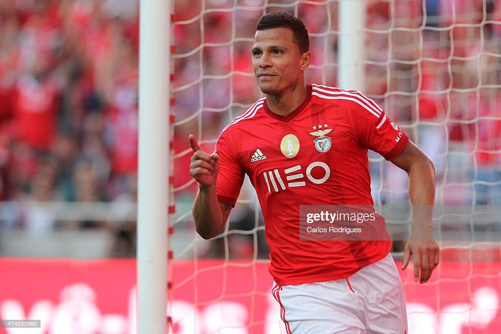 Benfica's forward Lima celebrates Benfica's goal during the Primeira Liga match between Benfica and Maritimo at Estadio da Luz on May 23, 2015 in Lisbon, Portugal.