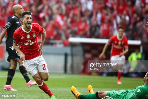 Benfica's forward Luis Fernandes 'Pizzi' celebrates after scoring during the Portuguese League football match between SL Benfica and Vitoria SC at...