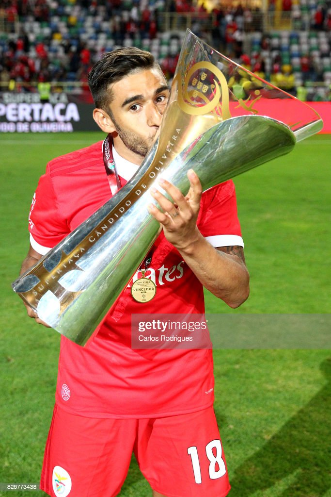 Benfica's forward Toto Salvio from Argentina with Portuguese Super Cup trophy after the match between SL Benfica and VSC Guimaraes at Estadio Municipal de Aveiro on August 05, 2017 in Lisbon, Portugal.