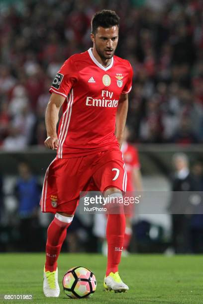 Benfica's Greek midfielder Andreas Samaris during the Premier League 2016/17 match between Rio Ave and SL Benfica at Arcos Stadium in Vila do Conde...