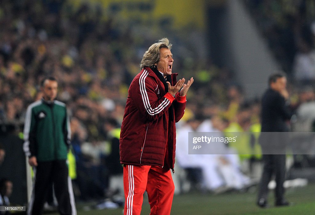 Benfica's head coach Jorge Jesus gestures during an UEFA Europa League semi-final football match between Fenerbahce and Benfica at Sukru Saracoglu stadium on April 25, 2013 in Istanbul.