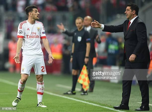 Benfica's head coach Rui Vitoria gestures beside of Benficas striker Pizzi during the Champions League quarterfinal firstleg football match between...