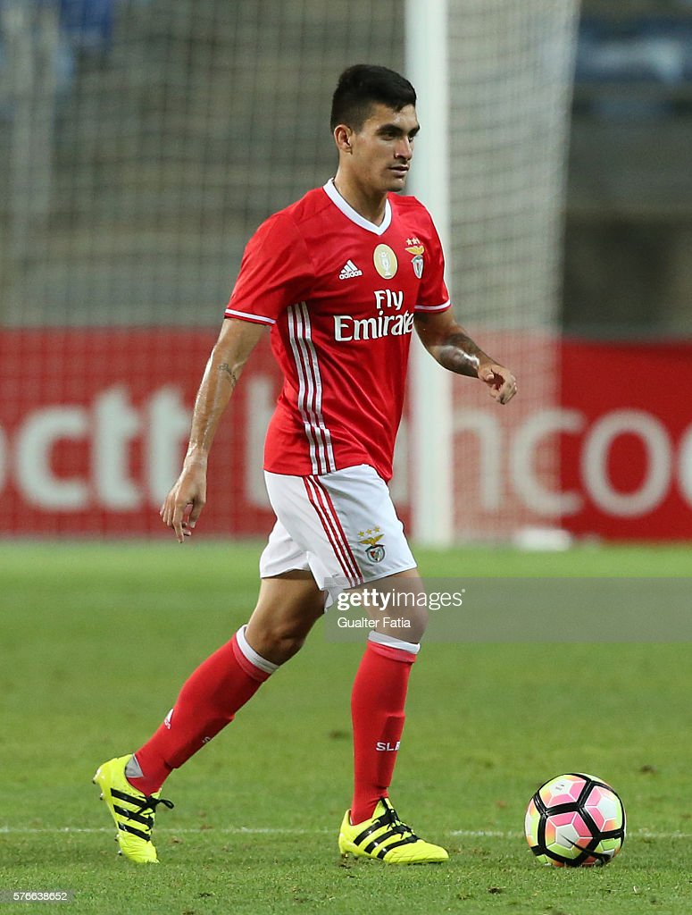 SL Benfica's midfielder from Colombia Guillermo Celis in action during the Algarve Football Cup Pre Season Friendly match between SL Benfica and Derby County at Estadio do Algarve on July 16, 2016 in Faro, Portugal.