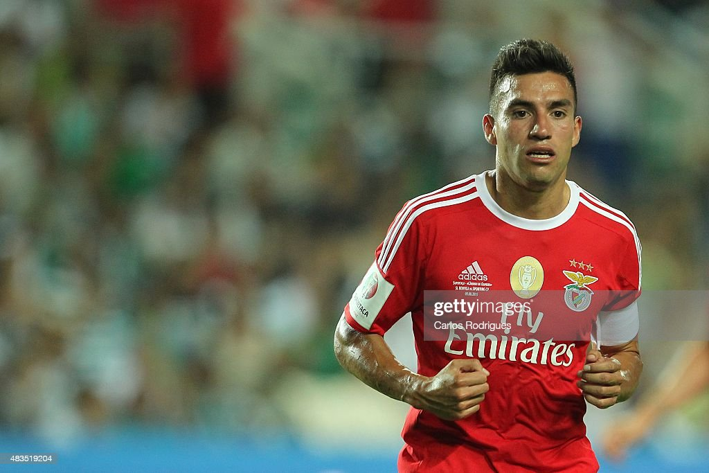 Benfica's midfielder <a gi-track='captionPersonalityLinkClicked' href=/galleries/search?phrase=Nicolas+Gaitan&family=editorial&specificpeople=5538639 ng-click='$event.stopPropagation()'>Nicolas Gaitan</a> during the Portuguese Super Cup match between SL Benfica and Sporting CP at Estadio Algarve on August 9, 2015 in Faro, Portugal.