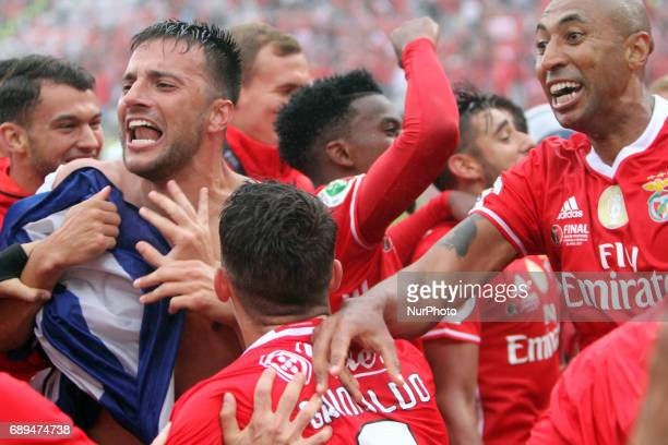 Benfica's players celebrates the victory after the Portugal Cup Final football match SL Benfica vs Vitoria Guimaraes SC at Jamor stadium in Oeiras...