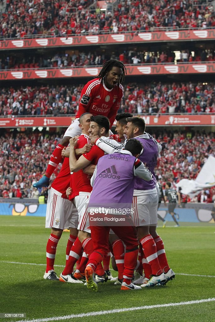 Benfica's players celebrating Benfica's goal scored by Benfica's defender Jardel Vieira during the match between SL Benfica and Vitoria de Guimaraes for Portuguese Primeira Liga at Estadio da Luz on April 29, 2016 in Lisbon, Portugal.