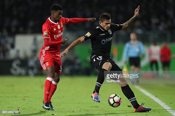 Benfica's Portuguese defender Nelson Semedo in action with Vitoria SC's Brazilian forward Francisco Soares during the League Cup 2016/17 match...