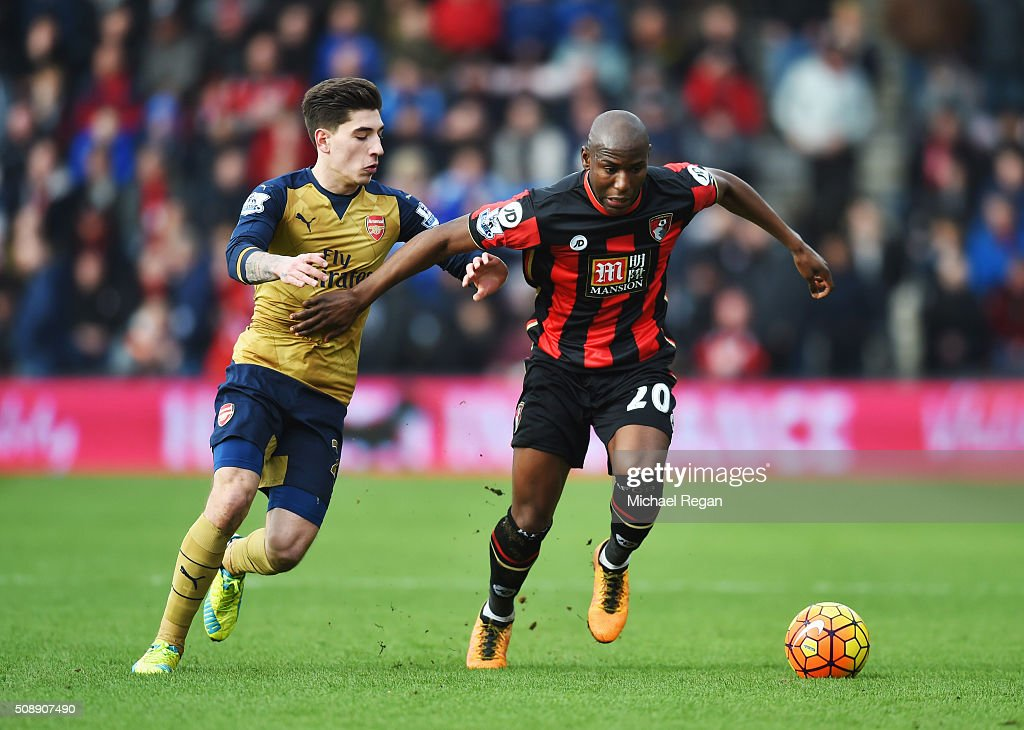 <a gi-track='captionPersonalityLinkClicked' href=/galleries/search?phrase=Benik+Afobe&family=editorial&specificpeople=6871620 ng-click='$event.stopPropagation()'>Benik Afobe</a> of Bournemouth battles with Hector Bellerin of Arsenal during the Barclays Premier League match between A.F.C. Bournemouth and Arsenal at the Vitality Stadium on February 7, 2016 in Bournemouth, England.