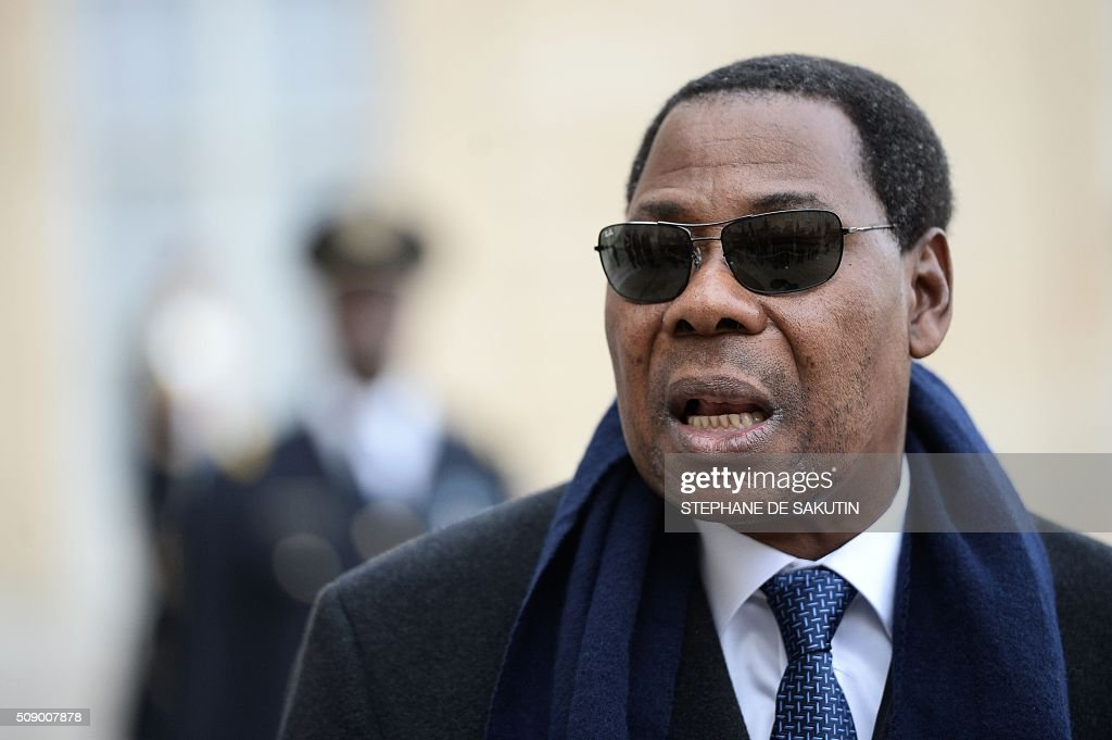 Benin's President Thomas Boni Yayi answers journalists' questions after his meeting with the French president at the Elysee Presidential Palace in Paris on February 8, 2016. / AFP / STEPHANE DE SAKUTIN