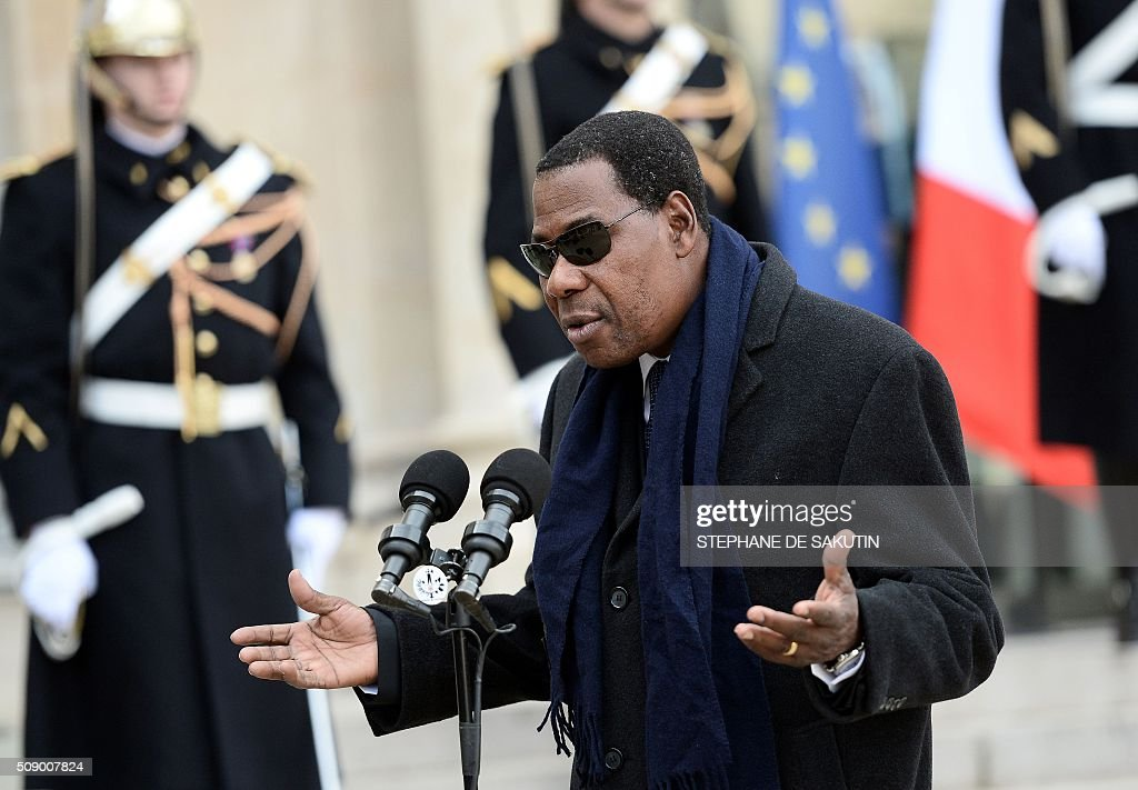 Benin's President Thomas Boni Yayi answers to journalists' questions after his meeting with the French president at the Elysee Presidential Palace in Paris on February 8, 2016. / AFP / STEPHANE DE SAKUTIN