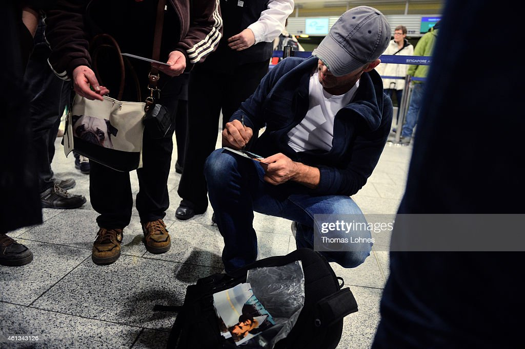 Benjamin Boyce signs autographes before the flight to Australia as a participant in the 2015 RTLTVShow 'Dschungelcamp Ich bin ein Star Holt mich hier...