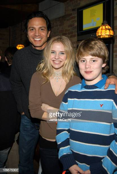 Benjamin Bratt Kelli Garner and Chase Offerle during 2005 Park City 'Thumbsucker' Dinner at ChefDance with Guest Host Rocco DiSpirito at Harry O's in...