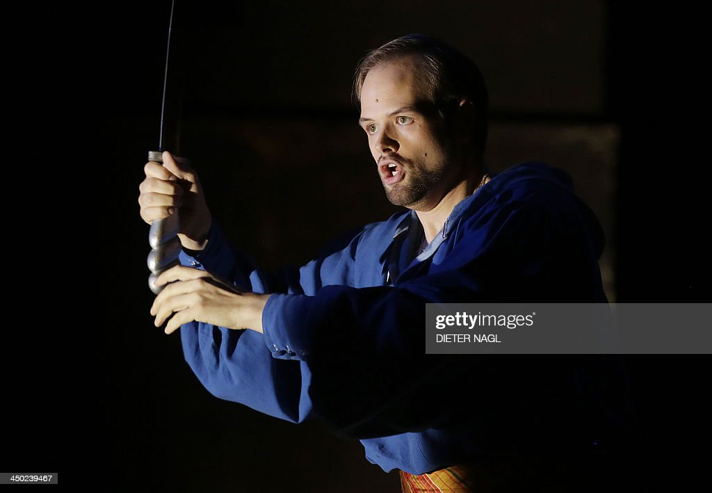 Benjamin Bruns perform as Tamino in a dress rehearsal of Mozart's opera 'the magic flute' on November 14 2013 at the state opera in Vienna The...