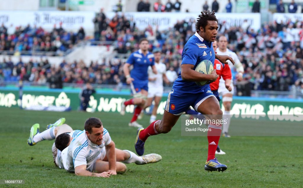 Benjamin Fall of France breaks clear to score a try during the RBS Six Nations match between Italy and France at Stadio Olimpico on February 3, 2013 in Rome, Italy.