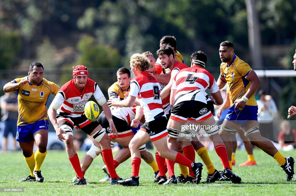 Benjamin Hyne of the Vikings passes the ball to Joe Powell during the round three NRC match between Brisbane and Canberra at the University of Queensland on September 17, 2017 in Brisbane, Australia.