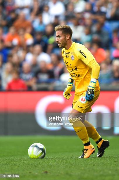 Benjamin Lecomte of Montpellier during the Ligue 1 match between Montpellier Herault SC and OGC Nice at Stade de la Mosson on October 14 2017 in...