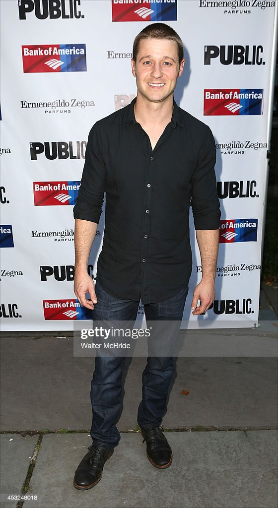 <a gi-track='captionPersonalityLinkClicked' href=/galleries/search?phrase=Benjamin+McKenzie&family=editorial&specificpeople=213315 ng-click='$event.stopPropagation()'>Benjamin McKenzie</a> attends the The Public Theatre's Opening Night Performance of 'King Lear' at the Delacorte Theatre on August 5, 2014 in New York City.